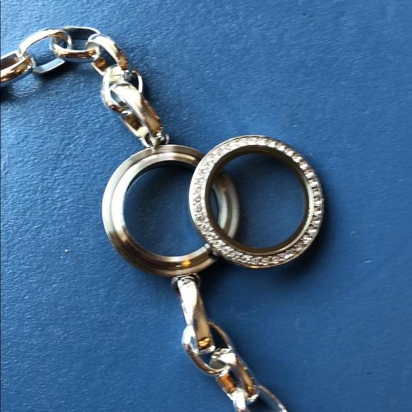 How To Open An Origami Owl Bracelet Locket #bracelet #how #locket ... | 580x580
